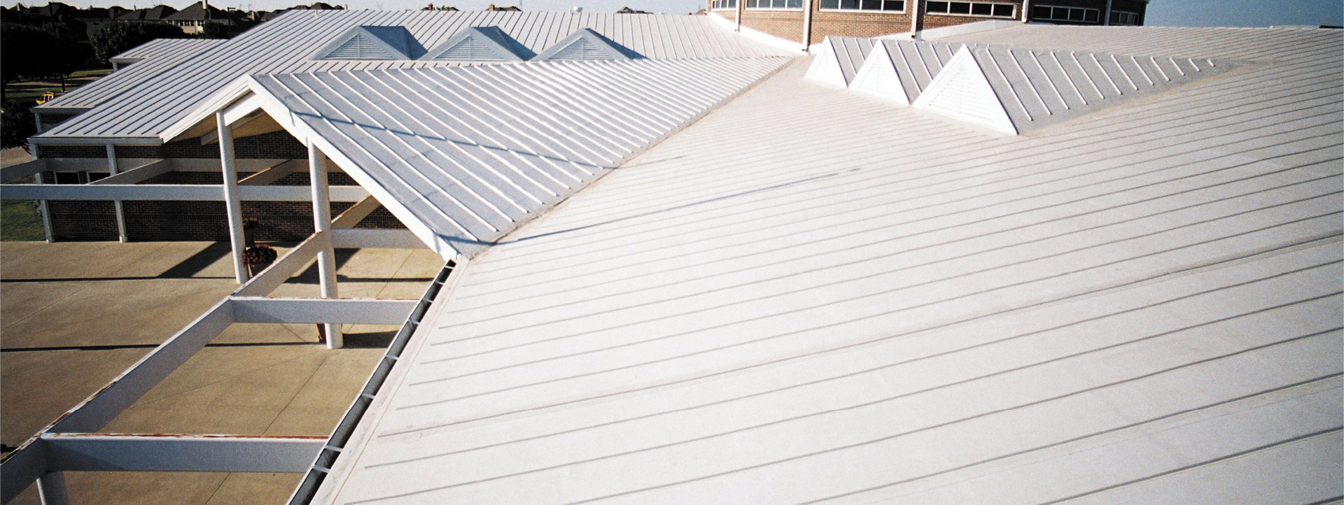 Learn About Vinyl Roofing Membrane Benefits And Uses